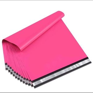 Other - 24x24 hot pink mailing bags